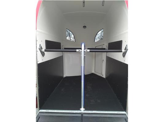 inner horse stall photo of Comfort trailer