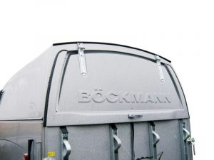 Locking rear flap on trailer