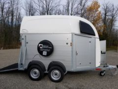 White Roof Big Champion horse trailer